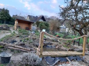 Rohbau komplette Wasserlandschaft mit Brücke März 2019